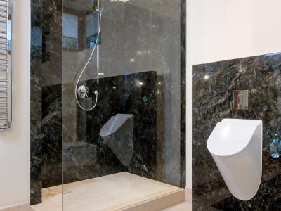 Łazienki z granitu i marmuru