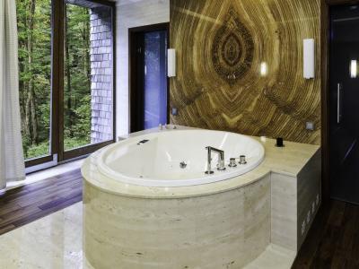 Łazienki marmur i trawertyn