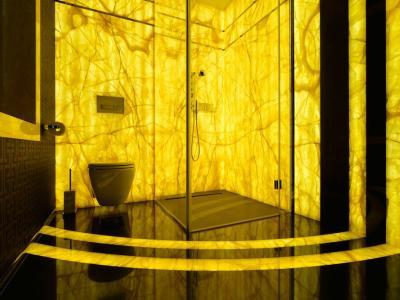Łazienki podświetlony onyks + marmur