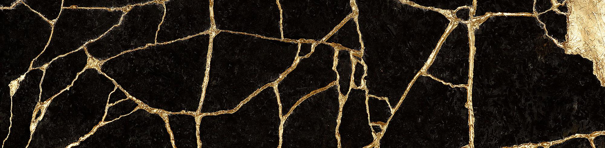 Meterous Agate Gold Veines