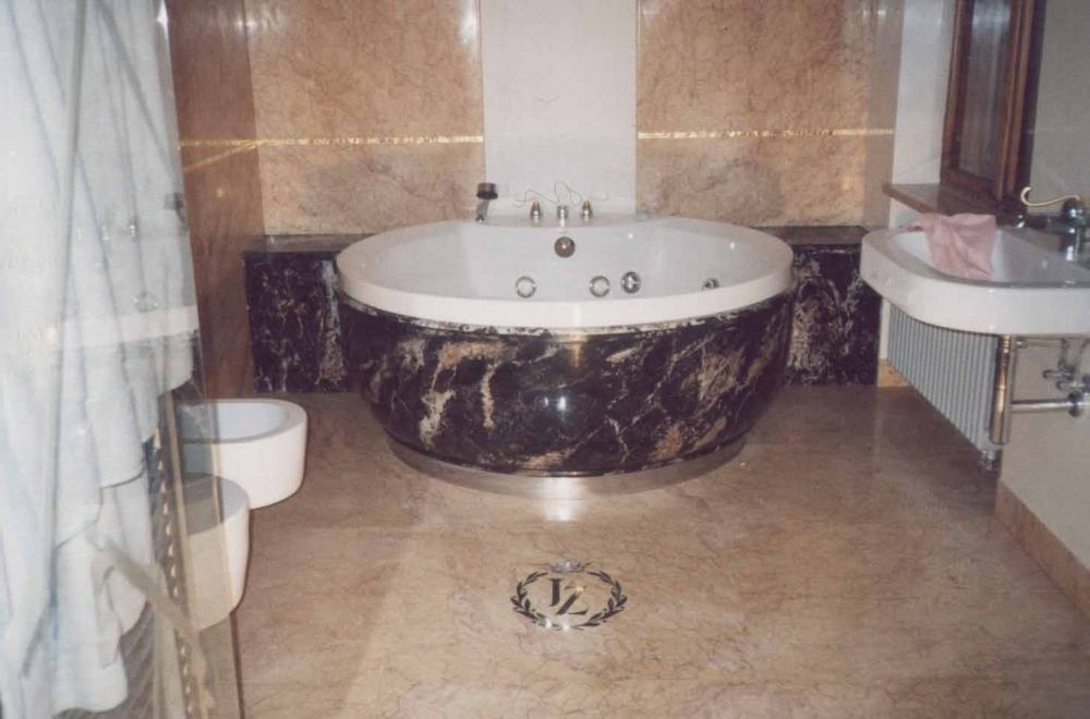 Łazienki: marmur, granit